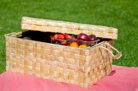 best picnic basket 7 best tips for a fabulous family picnic make and takes
