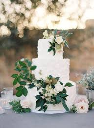 wedding cake greenery 5 wedding cake trends to avoid in 2017 anges de sucre