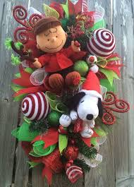 brown christmas snoopy dog house best 25 snoopy christmas decorations ideas on