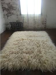 How To Clean A Fluffy Rug Best 25 Flokati Rug Ideas On Pinterest Beds Master Bedroom