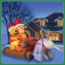 Blow Up Lawn Decorations Best 25 Inflatable Christmas Decorations Ideas On Pinterest