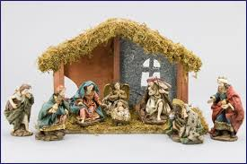 4 8pc ornate nativity set w wood stable