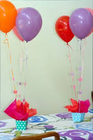 Balloons On Sticks Centerpiece by Balloon Centerpiece With Box Or Bucket With Pendent Sticking Out