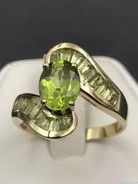 green gemstone rings images Peridot 10kp yellow gold vintage ring oval green gemstone jpg