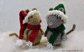 crochet christmas crochet christmas hat and scarf for mouse amigurumi to go