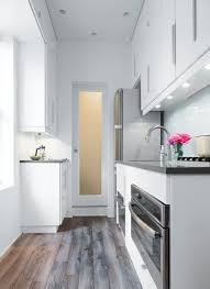 cuisine couloir amenager une cuisine en longueur 2 une toute