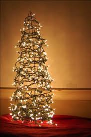 Wire Christmas Tree With Lights Tomato Wire Cage And Lights