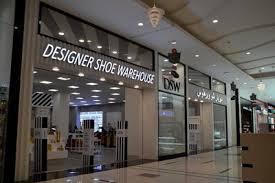 designer shoe outlet dsw designer shoe warehouse expands overseas