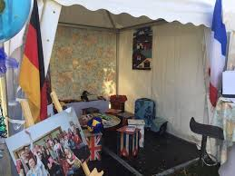 Wohnzimmer Bremen Fnungszeiten Weltreise Durch Wohnzimmer U2013 Miteinander Zu Sprechen Ist Besser