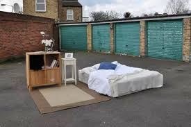 One Bedroom In London You Can Get This Bed In London For Just 8 A Night But There U0027s A