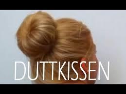 Frisuren Duttkissen Anleitung by Duttkissen Anwenden Selber Machen Voluminöser Dutt