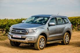 comparative review ford everest 3 2 4x4 xlt vs toyota fortuner