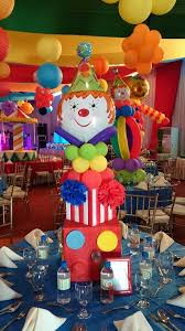 Construction Themed Centerpieces by Best 25 Circus Party Centerpieces Ideas On Pinterest Circus
