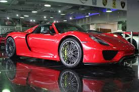 Porsche 918 Limited Edition - holy trinity for sale at dubai dealer 100 mile laferrari brand