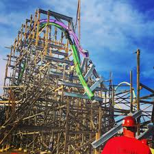 Vallejo Ca Six Flags 2016 Neuheit The Joker Hybrid Coaster Rmc Six Flags