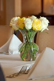 inexpensive white flowers for wedding flower and decor