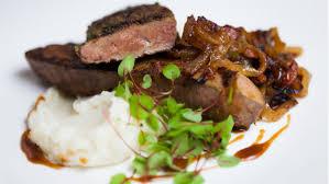 cuisiner le foie de veau foie de veau sauté au bacon et purée de pommes de terre au cheddar