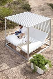 Portofino Outdoor Furniture 10 Luxurious Outdoor Daybeds To Have A Comfy Nap Digsdigs