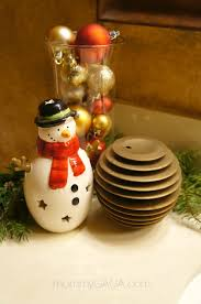 diy christmas decorations holiday home decor christmas decorating ideas for the guest bathroom