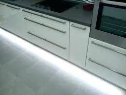 montage plinthe cuisine plinthes de cuisine plinthe finition aluminium brossac l 250cm h 15