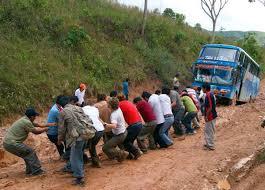 imagenes de sud yungas el diario yanacachi san cristóbal y yerbani con deslizamientos