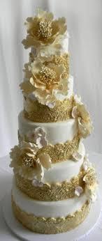goldene hochzeitstorte die besten 25 torte zur goldenen hochzeit ideen auf