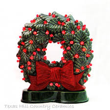 do you those fashioned ceramic wreaths sitting