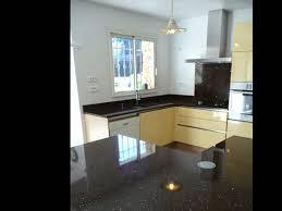 plan de travail cuisine noir paillet plan de travail quartz maison design bahbe com
