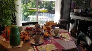 chambres d hotes isere bed and breakfast chambre d hôtes le cyprès bleu roussillon en