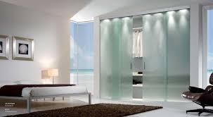 armadio con ante in vetro ante scorrevoli vetro trasparente mdb portas nurith