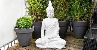statues de jardin en pierre sculpture de jardin déco extérieur d u0027exception westwing