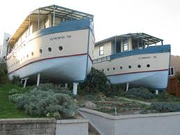 unusual houseboats strange weird unique houses structures pics