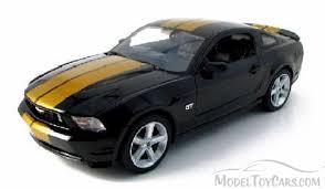 2010 Mustang Black 2010 Ford Mustang Gt Black W Gold Stripes Greenlight 50824 1