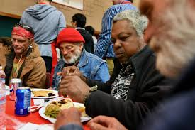 homeless get royal treatment at valley rescue mission s thanksgiving