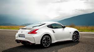 nissan 370z wallpaper hd white nissan 370z sport car wallpaper wallpaper download 1366x768