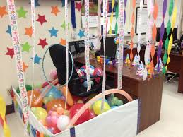 Cute Cubicle Decorating Ideas by More Coworkers Birthday Decorations Office Birthday Decorations