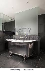 Claw Feet For Bathtub Freestanding Roll Top Bathtub With Claw Feet In White Bathroom