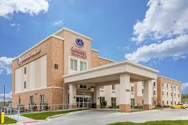 Comfort Suites Omaha Ne Comfort Suites West Omaha 2500 S 192nd Avenue Omaha Ne Hotels
