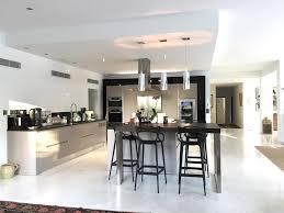 comment decorer une cuisine ouverte idee deco salon cuisine ouverte 12 indogate peinture sejour ouvert