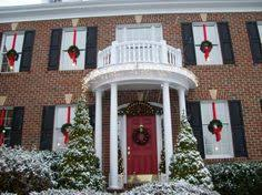 how to hang christmas lights in window bovagoods christmas goods how i hang my window wreaths christmas