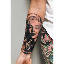 lovely posing marilyn by narcissus tattoos