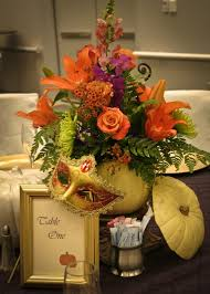 Fall Flowers For Wedding Flowers In Fall Colors 3 Ways To Make Halloween Decor Chic Loversiq