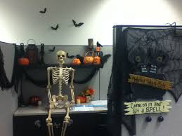 Cubicle Decoration Themes 20 Best Halloween Office Decor Images On Pinterest Halloween