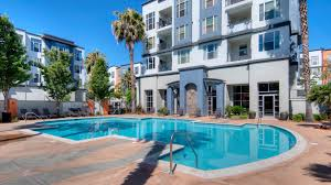 Home Plans With A Courtyard And Swimming Pool In The Center Archstone Fremont Center Apartments Fremont Ca 39410 Civic