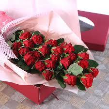 in gift roses in gift box