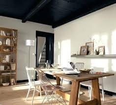 plafond chambre a coucher deco plafond chambre peinture dacpolluante coloris daim mat gamme