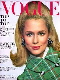 best shoo for hair over 50 lauren hutton 72 shows off her blonde locks at bloomingdale s