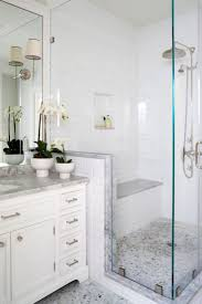 Simple Master Bathroom Ideas by Best 25 Small Master Bath Ideas On Pinterest Small Master
