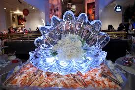 Casino With Lobster Buffet by A Clam Shaped Ice Sculpture Crowned The Seafood Buffet Museum Of