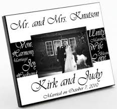 picture frame wedding favors mr and mrs personalized wedding frame picture frames place